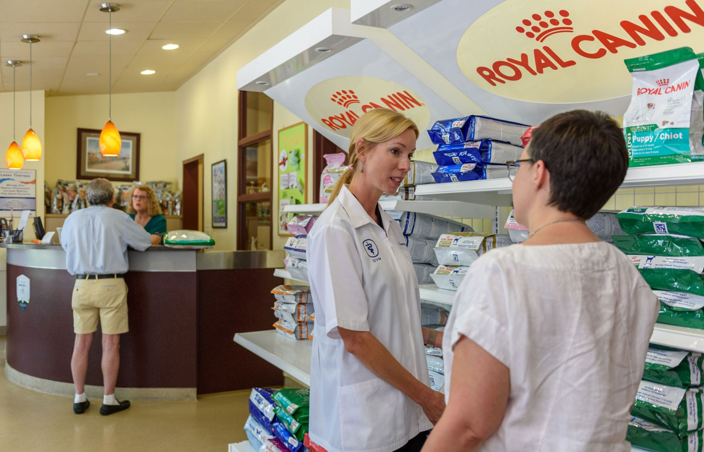 pet nutritional counseling at vet clinic